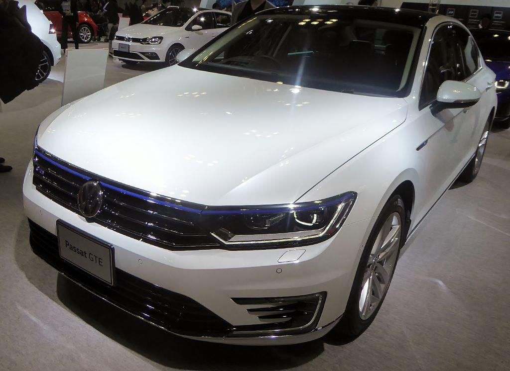 Fileosaka Motor Show 2015 340 Volkswagen Passat Gteg