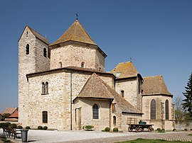 Ottmarsheim abbey church 2011-03.jpg