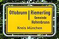 Ottobrunn Riemerling Ortsschild.jpg