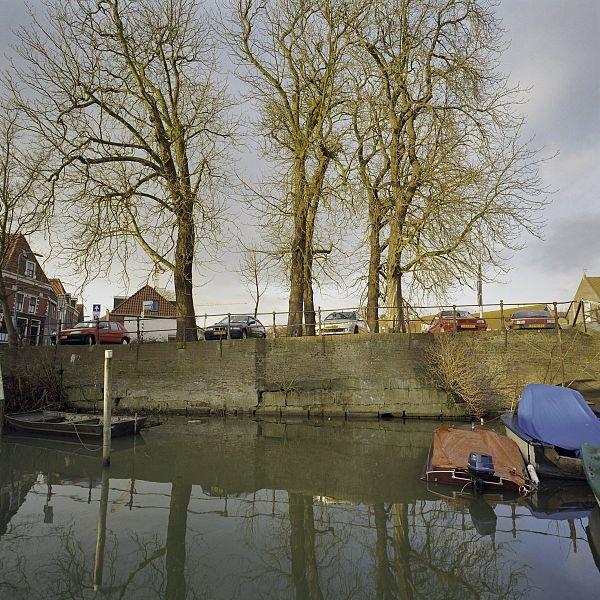 File:Overzicht van de gracht en de kade - Hoorn - 20420368 - RCE.jpg