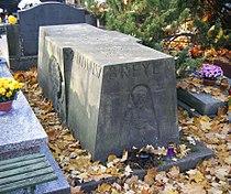 POL Breyer grave 03.jpg
