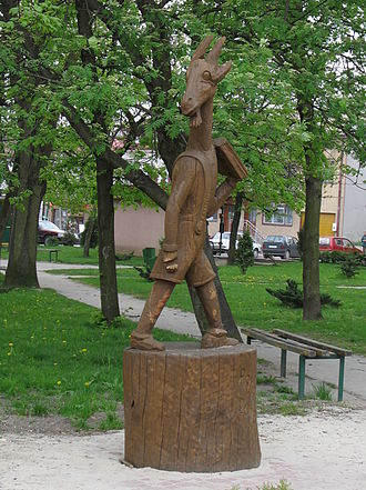 Koziołek Matołek - Statue of Koziołek Matołek in Pacanów.