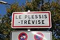 Panneau entrée Plessis Trévise 1.jpg
