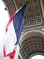 Paris Arc de Triomphe de l'Étoile 2009014 flag (02).jpg