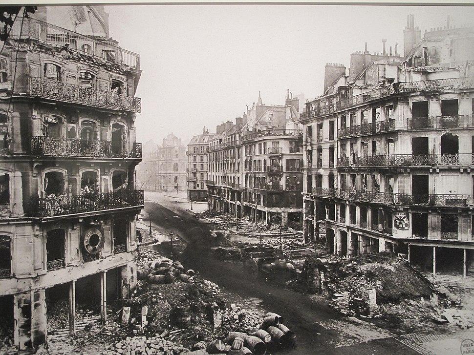 Paris Commune rue de Rivoli