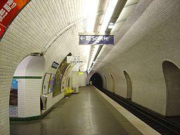 Paris Metro Louis Blanc dsc00848