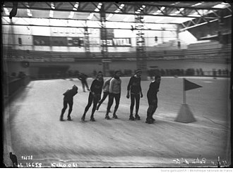 Vélodrome d'hiver - Photo of a 24-hour roller skating endurance competition held inside the Vélodrome d'Hiver in Paris in 1911