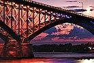 Ponte della Pace - al sorgere della luna (ritagliato).jpg
