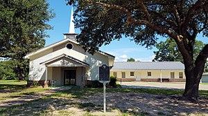 Pennington, Texas - Image: Pennington Baptist Church, with marker