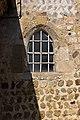 Petite fenêtre de l'église (Saint-Martin-de-la-Lieue, Calvados, France).jpg