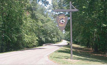 Marker on Natchez Trace Parkway