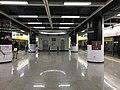 Platform of Songgang Station.jpg