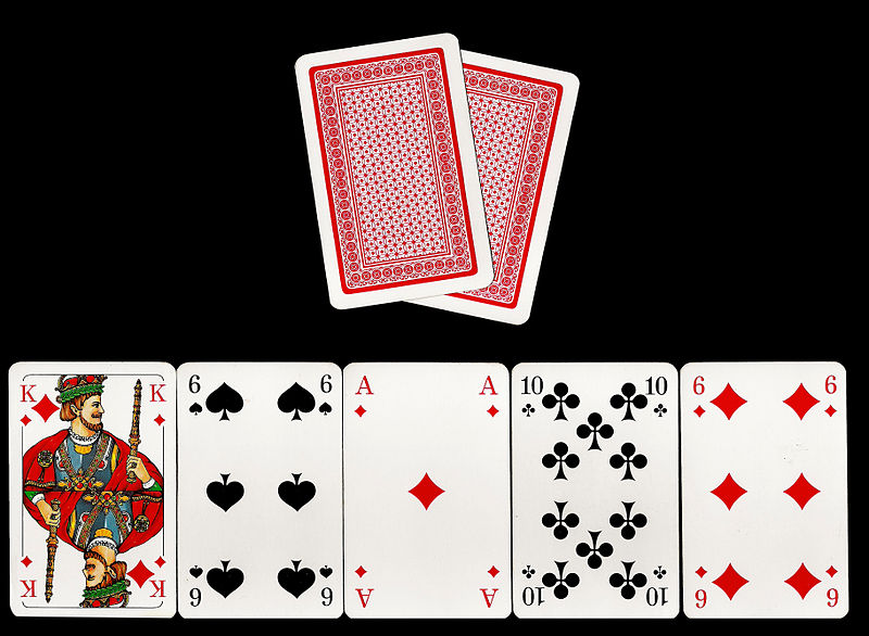 File:Poker-Texas-Holdem.jpg - Wikimedia Commons