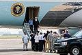 President Trump lands at Ellington 2017-09-02 01.jpg