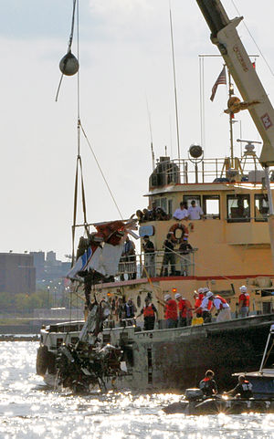 2009 Hudson River mid-air collision - Wreckage of the plane being recovered on August 11