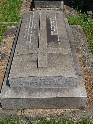 Renn Hampden - Grave, Kensal Green Cemetery