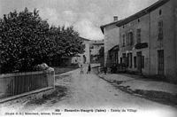 Reventin-Vaugris, entrée du village, 1906, p174 de L'Isère les 533 communes - cliché C D, Blanchard édit à Vienne.jpg