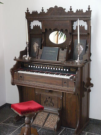 Pump organ - A Victorian-era pump organ