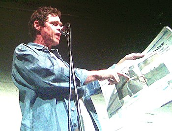 English: Rich Hall performing live on November...
