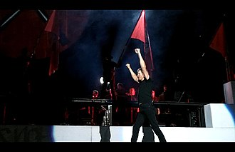 The Wall Live (2010–13) - Image: Roger Waters The Wall Live Denver 2
