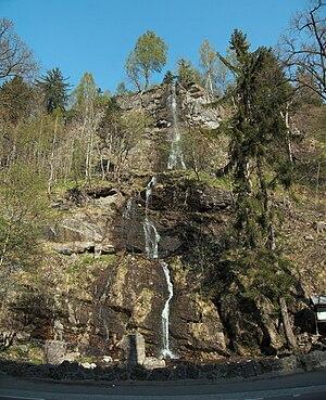 Romkerhall - Romkerhall Waterfall