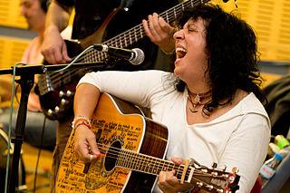 Rosana Arbelo Spanish singer-songwriter