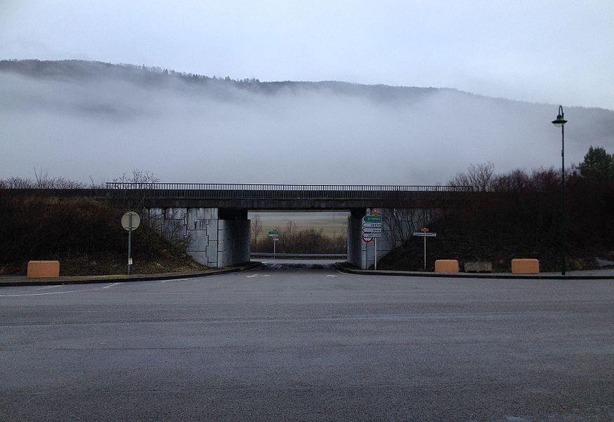 Route et brouillard à Lavancia-Epercy.