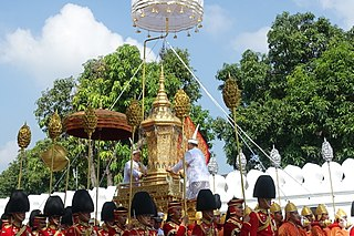 Royal urn of King Bhumibol Adulyadej in the first procession of the royal cremation ceremony.jpg
