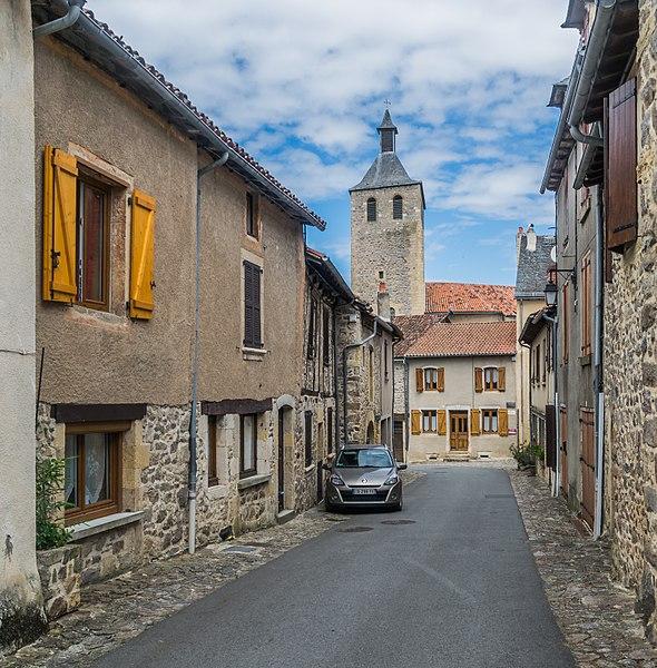 Rue Paul Gleyrose in Peyrusse-le-Roc, Aveyron, France