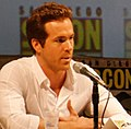 Ryan Reynolds Comic-Con (cropped).jpg