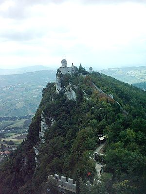 Three Towers of San Marino - Cesta