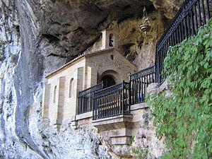 Covadonga - Image: Santa Cueva de Covadonga