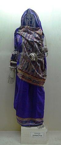 Sari draping style of Sambalpur region, Odisha state museum, Bhubaneswar 2013.JPG