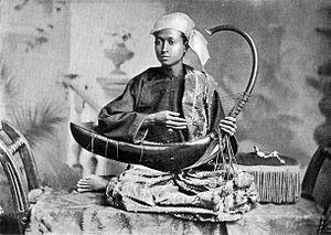 Saung - Saung musician in 1900.