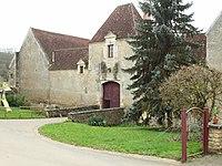 Sauzay-FR-58-ferme fortifiée-4.jpg
