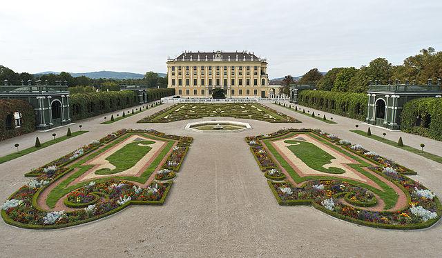 Palác Schönbrunn - Hrady v Rakúsku