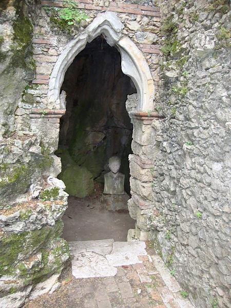 File Schio Giardino Jacquard Grotte Wikimedia