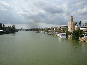 Ramón de Bonifaz - The Torre del Oro (at right) anchored one end of the barricade in the Guadalquivir. It marks where the Moorish defenses spanned the river.