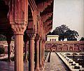 Shalimar garden pavillion column.jpg
