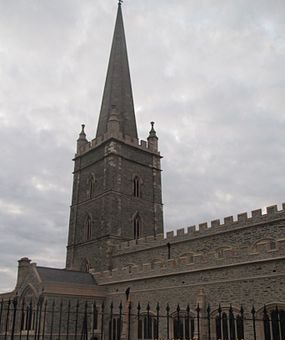 St Columb's Cathedral1 by Paride.jpg