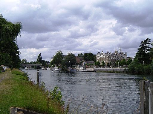 StainesRiver01