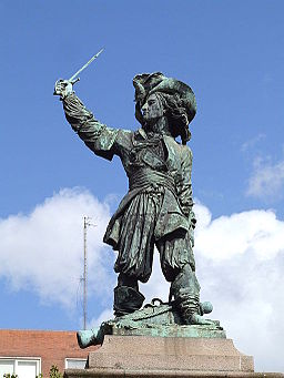 Statue of Jean Bart on the Place Jean Bart in the center of Dunkerque 03