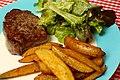 Steak frites (6952382589).jpg