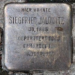 Photo of Siegfried Jalowitz brass plaque