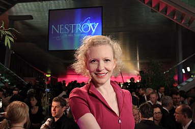 Sunnyi Melles - Nestroy-Theaterpreis 2012 b.jpg