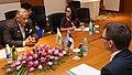 Sven Mikser ja India riigiminister Vijay Kumar Singh. (38486526956).jpg