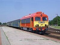 Szeged-Rókus MÁV M41 2198 a 7713-as vonattal.JPG