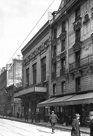 Alhambra (Paris) - Facade of the Theatre in 1925