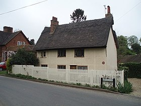 Thatched House, Wallington - geograph.org.uk - 415141.jpg