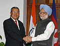 The Prime Minister, Dr. Manmohan Singh meeting with the Prime Minister of Cambodia, Mr. Hun Sen in New Delhi on December 08, 2007.jpg